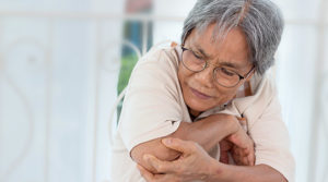 older-woman-with-muscle-pain