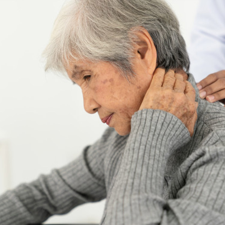 Recognising and acting on pain in people living with dementia for direct care workers
